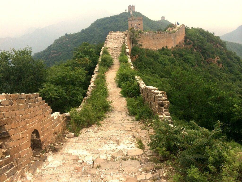 Jinshaling part of the wall.
