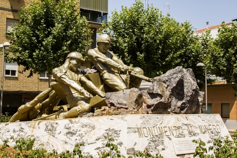 A statue memorializing the Almaden miners in the town.
