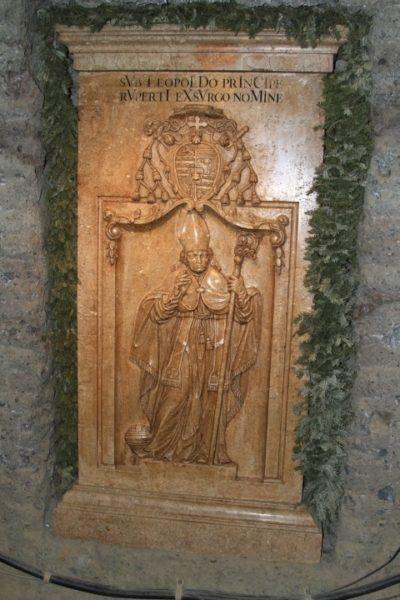 A stone carving of Archbishop Wold Dietrick Von Raitenau.
