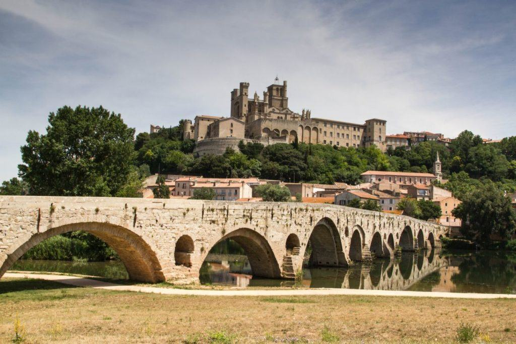 Pont Vieux, ancient bridge spanning the Orb river in beautiful Beziers.