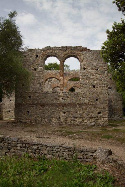 Roman arches in Butrint.