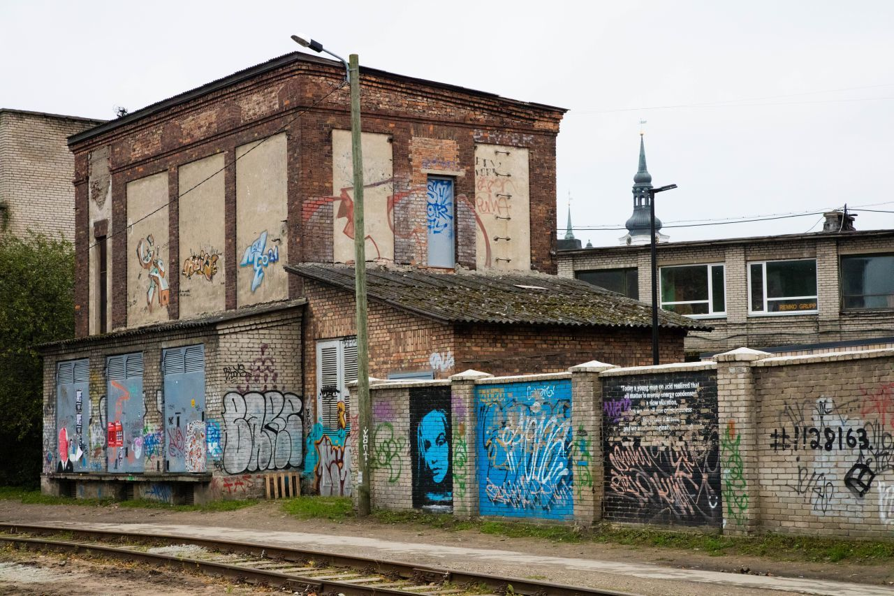 Refurbishing the old train station and its surroundings, it's become a place for young folks to hang out, grab a coffee or a light meal.