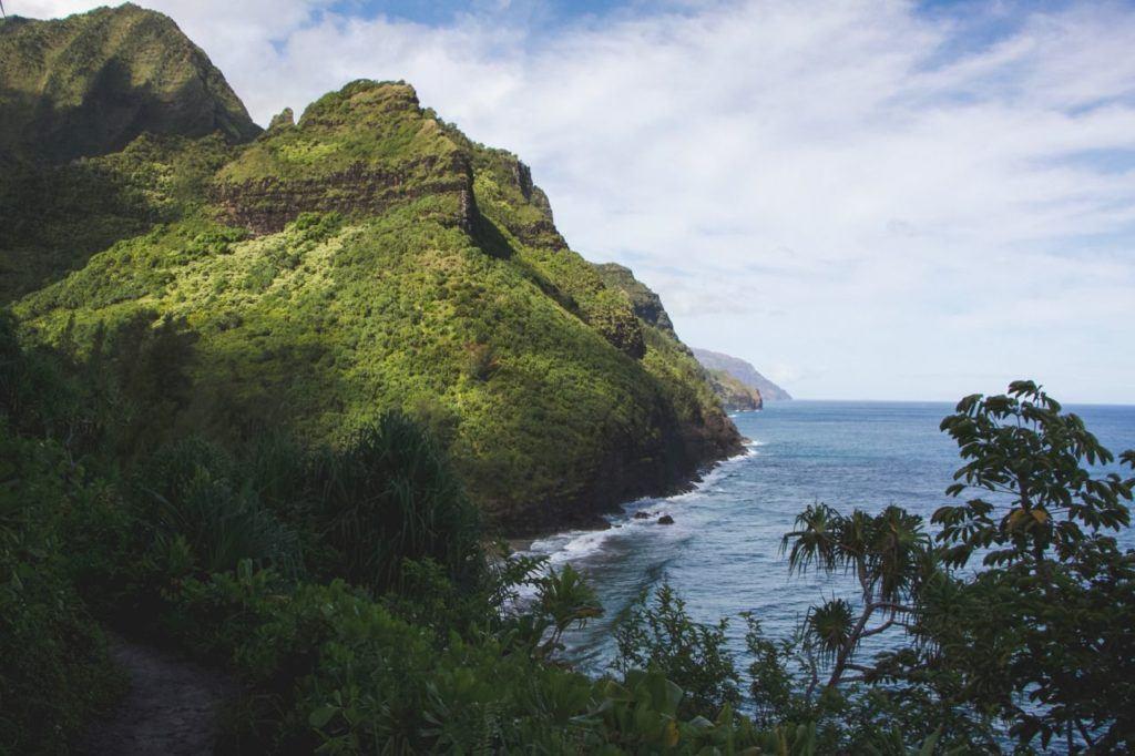 Rugged coastline of Kaua'i, Hawaii.