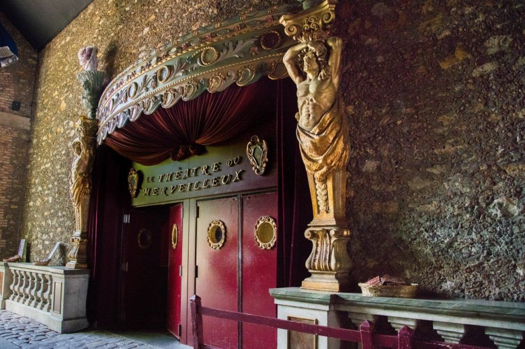 Just like you would expect, the Paris carnival museum doors are ostentatious and gaudy.