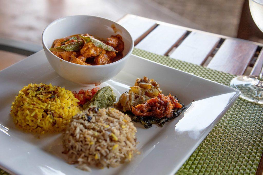 Chicken curry and biryani.