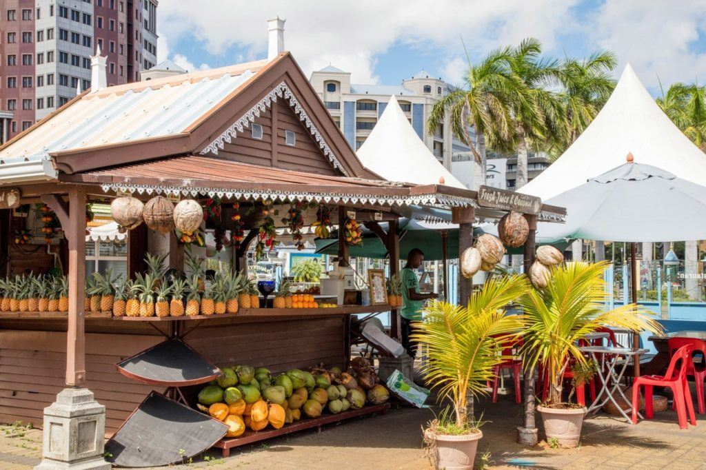 Mauritian food: Fresh fruit stand in Port Louis.