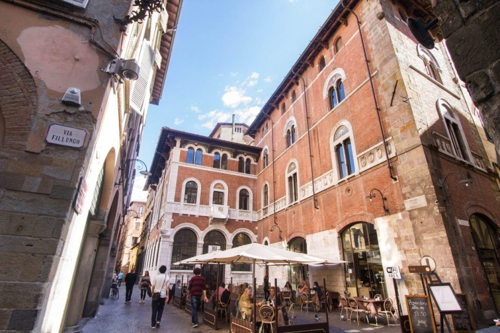 Al Fresco dining in Lucca old town.