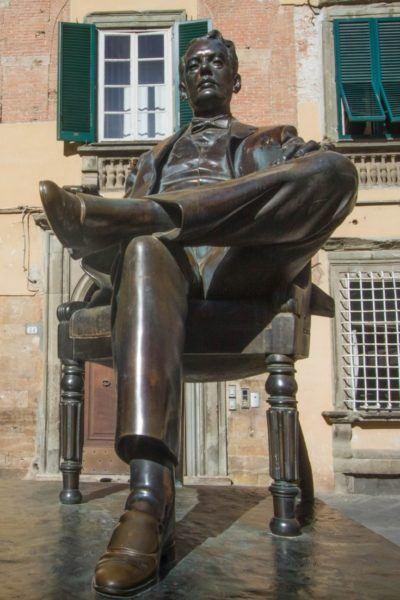 Lucca's hometown hero Puccini memorialized in bronze.