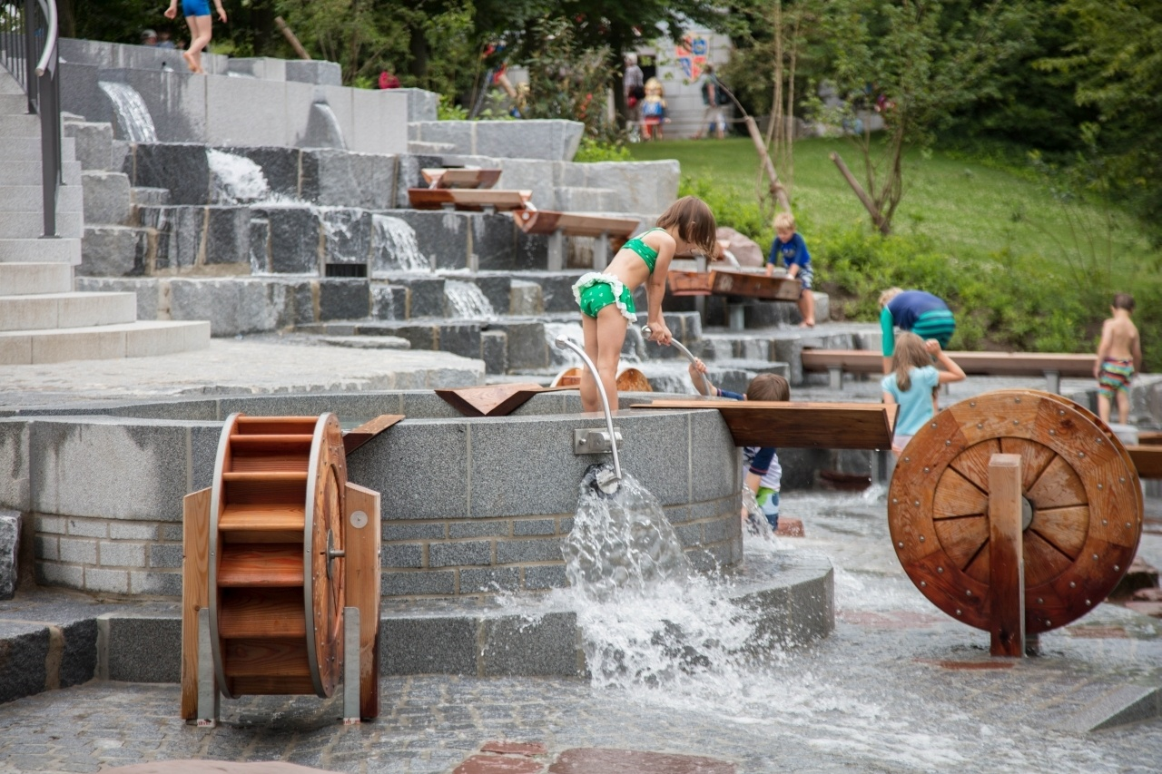 Working valves, taps, and wheels, children get to try and move the water around.