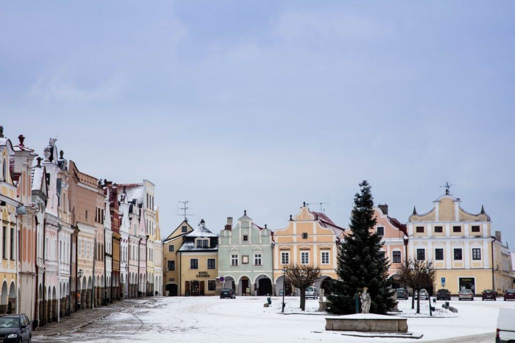 The pastel colors of Telc.