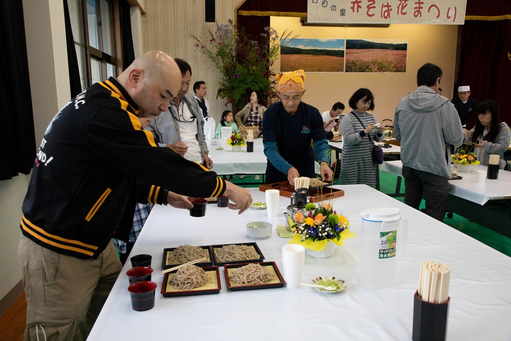 Soba noodles of all kinds, aka soba, mori soba, red soba, white soba, eat all you can at the Red Buckwheat Festival of Minowa, Japan.