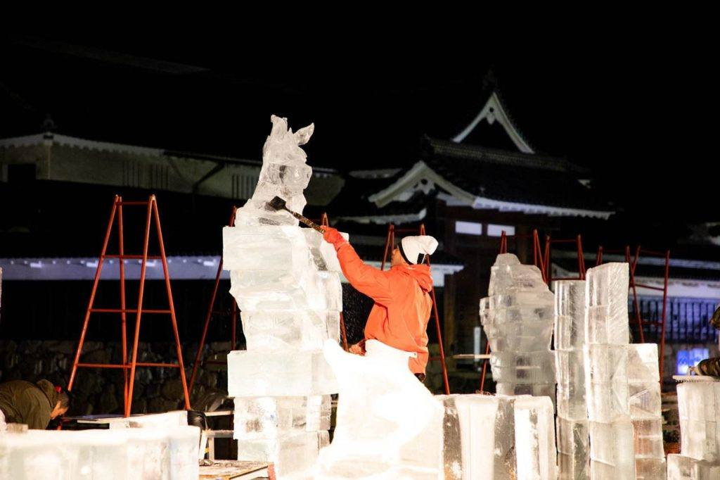 Artist getting ready to sculpt in Matsumoto.