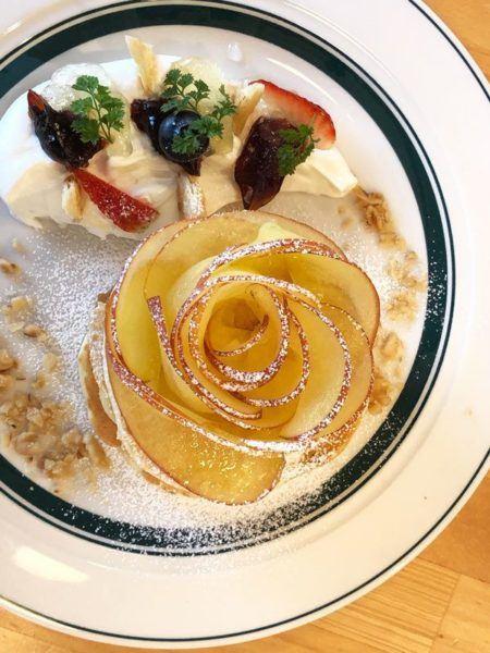 Apple pancake at Gram in Matsumoto.