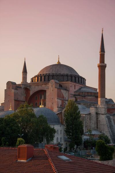 Hagia Sofia during the pink of sunset, an Istanbul must-see.