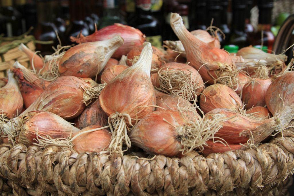 Market onions.
