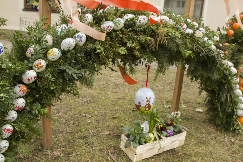 Arches and Easter Eggs, bunnies and baskets are all part of decorating the towns in Frankische Schweiz for the Easter holiday.