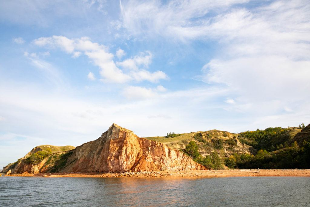 If you are visiting North Dakota, don't miss Lake Sakakawea.