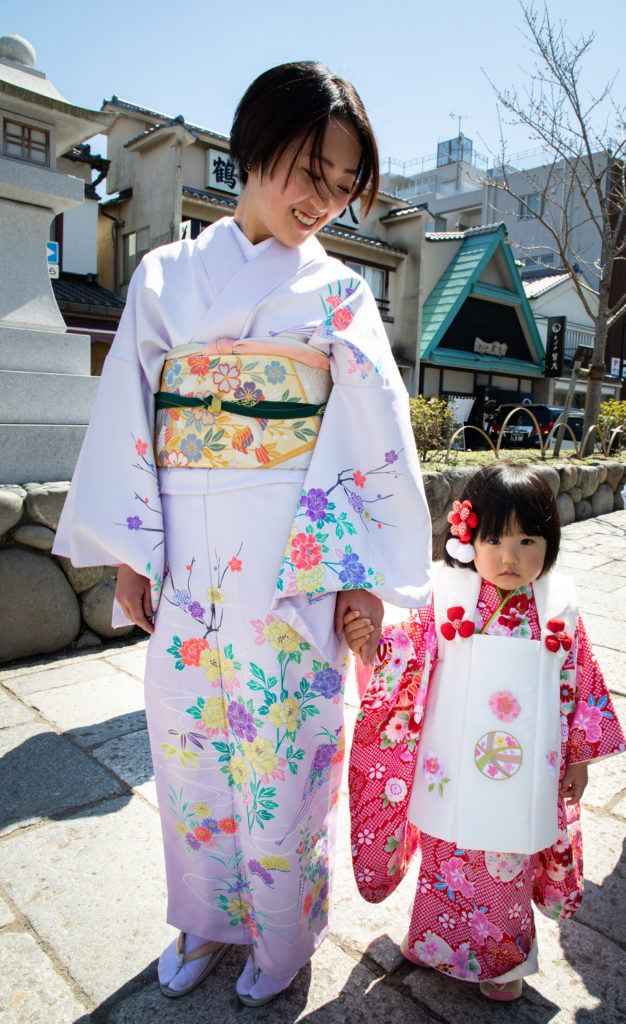 March 3rd is Girl's Day, and mom and daughter are all dressed up for it in traditional kimono.