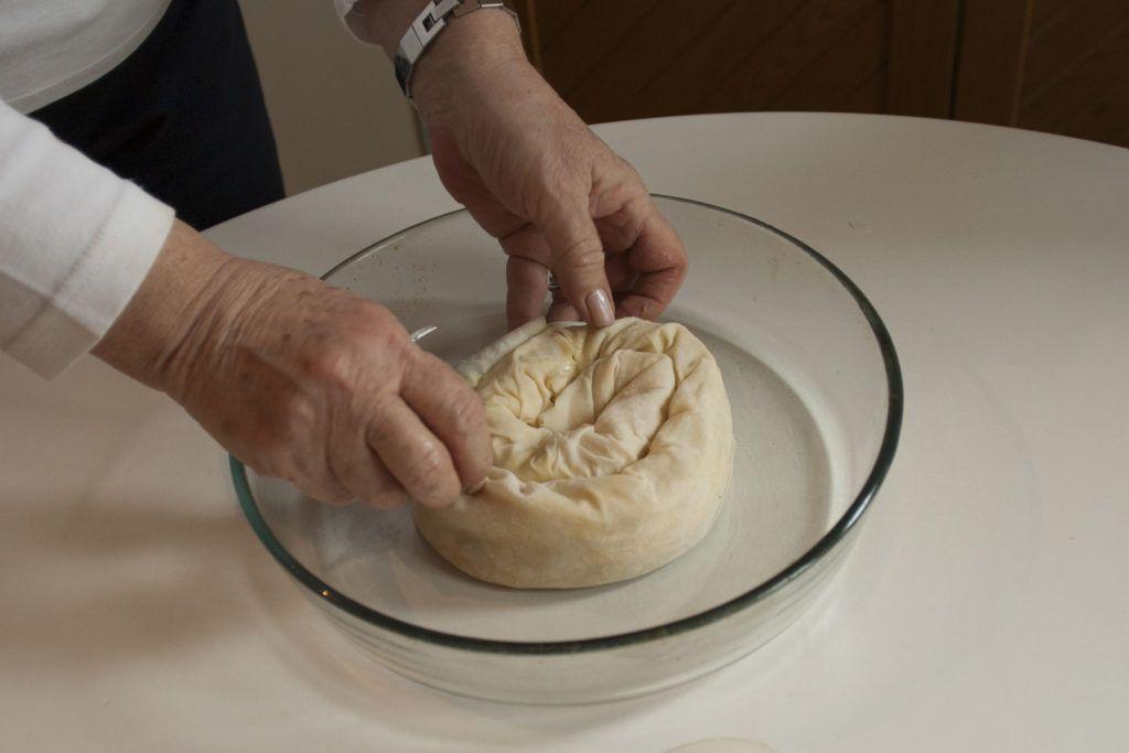 One spiral, a single serving of borek, is called rose (gul) boregi.