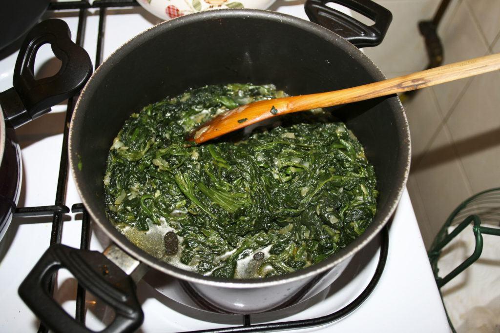 Spinach filling for Ispanak Boregi.
