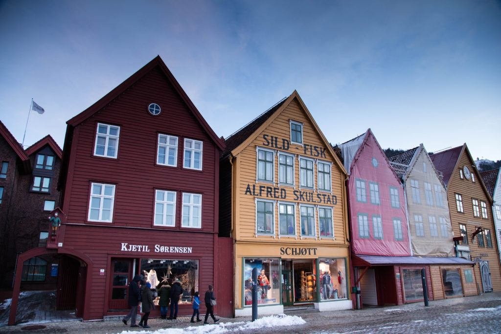 Snow on the streets of the prettiest row of buildings. Bergen in winter is beautiful! (Bergen im winter - sehr toll!).